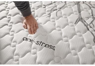 Colchón Anti estrés visco elástico con acolchado Intense®.